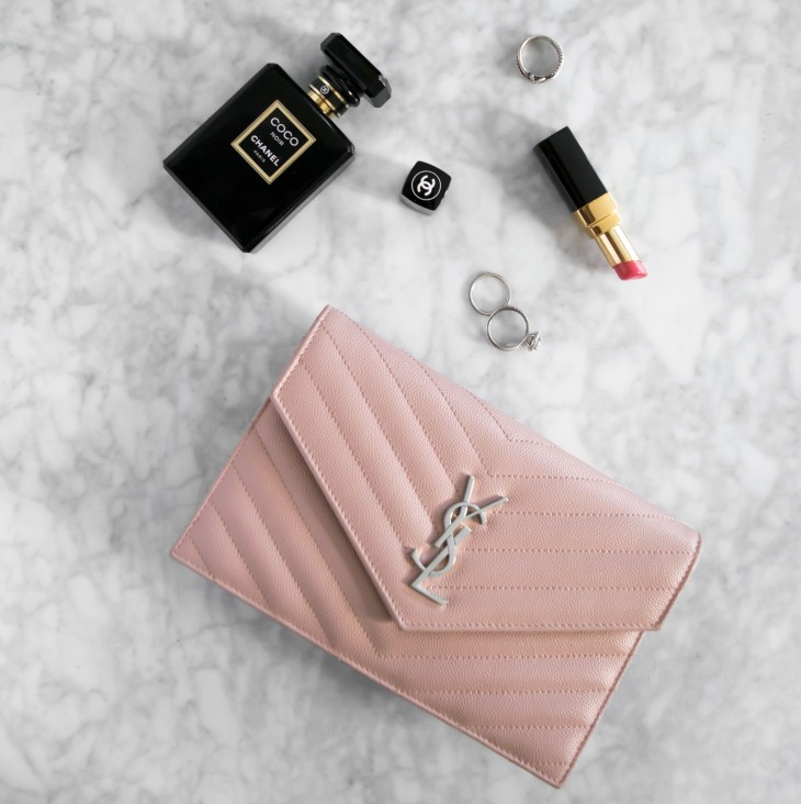 YSL Pale Pink WOC Chain Wallet Review | BeccaRisaLuna.com/blog